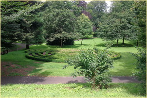Kinhin - Gehmeditation im Klosterpark
